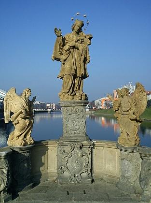 Svatý Jan Nepomucký na mostě přes Otavu vPísku