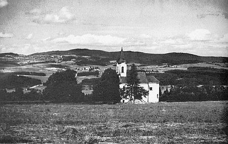 Svatá Magdalena poblíž rodných míst patřila k farnosti Zbytiny, které leží vprostřed snímku