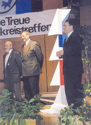 Při krajanském setkání v Ingolstadtu s O.H.Hajekem a starostou města Peterem Schnellem (zleva napravo)