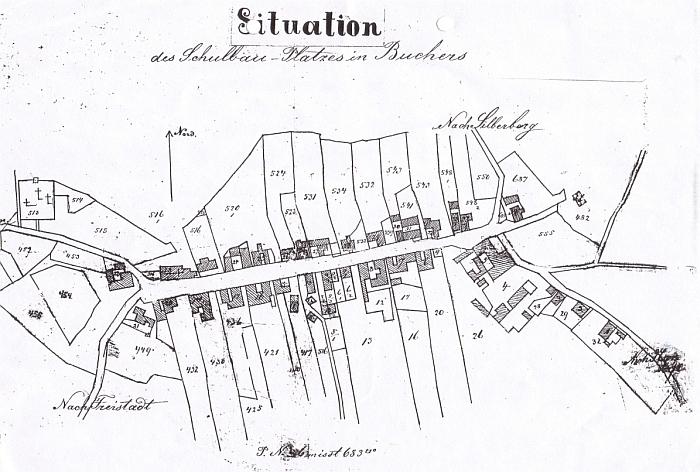 Rozlohu zaniklé obce ukazuje i situační plán, vzniklý před stavbou nové školní budovy na konci 19. století