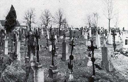 Hřbitov v Meclově na snímku z roku 1952