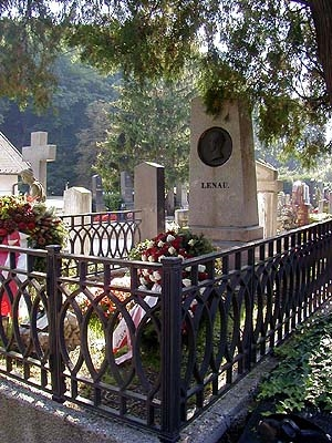 Jeho hrob v Klosterneuburgu (Weidlinger Friedhof)