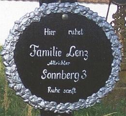 Hrob rodiny Lenzovy na žumberském hřbitově