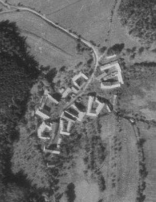... a Vražice na leteckých snímcích z let 1952 a 2008