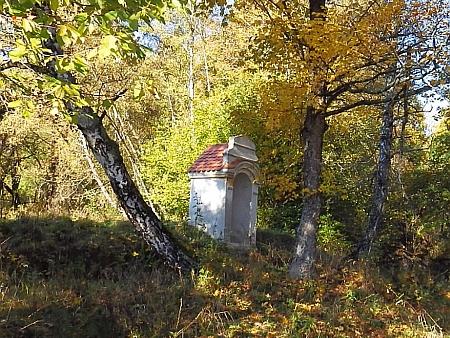 Kaplička u zaniklých Vražic