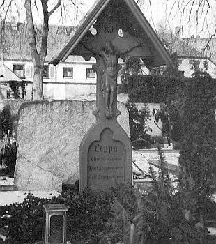 Leppův hrob ve Weissenburgu na snímku z roku 1996