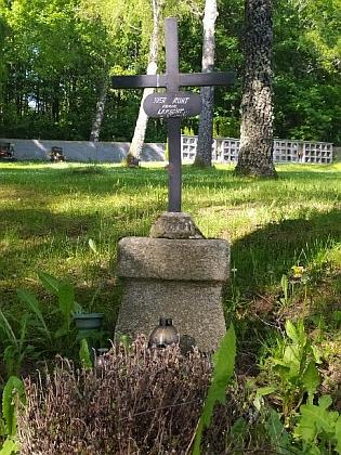 Najdeme tu i hrob rodiny Lepschy