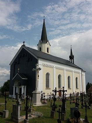 Kostel sv. Jakuba Většího a fara ve Světlíku