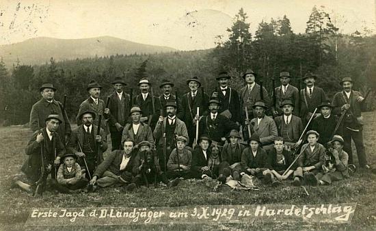 První hon myslivců 3. 10. 1929 v Hartunkově