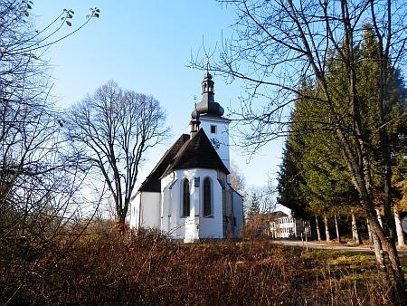 Opravený kostel v Cetvinách