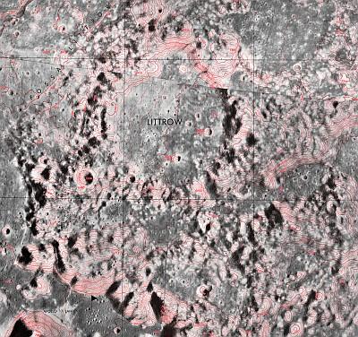 Littrowův kráter na Měsíci 44 km na severovýchod od místa přistání lunárního modulu Challenger (Apollo 17)