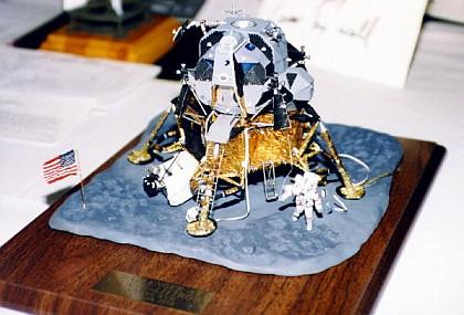 Model vesmírného modulu Challenger na Taurus-Littrow