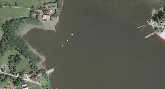 Cesta a most mezi Horní Planou a Bližší Lhotou na leteckých snímcích z let 1949 a 2008