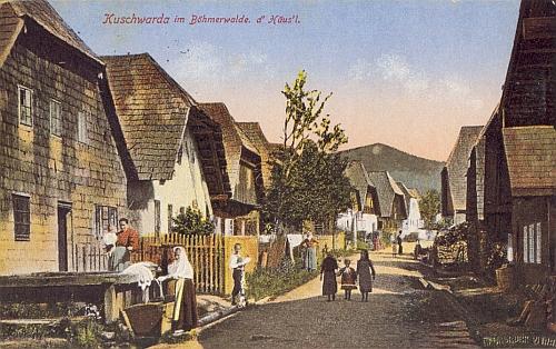 """Kolorovaná pohlednice z Kunžvartu zachycuje část obce, zvanou """"d&rsquo Häus&rsquol"""" ještě netknutou požárem (ze sbírky Reinholda Finka)"""