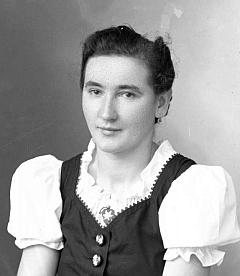 Na snímku z fotoateliéru Seidel z 12. srpna 1943