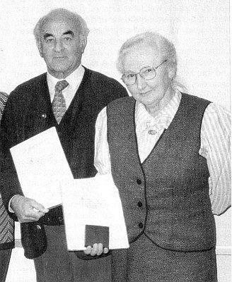 Při udělení medaile Johanna Nepomuka Neumanna s Josefem Bohmannem roku 1997