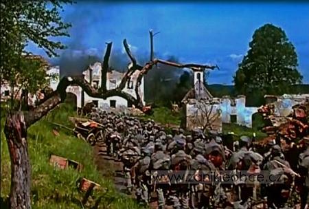 Záběr z filmu Poslušně hlásím (režie K. Steklý, 1957) zachycuje náves někdejší osady Hochwald (Havalda),poválce přejmenované na Hvozd (lze tu vidět ještě rozvaliny kaple a usedlostí čp. 2, 3, 4, a 5