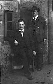 S Raimundem Zoderem (1882-1963) s nímž ho pojil hluboký zájem o lidovou píseň (v letech 1946-1972 byl Lugmayer prezidentem rakouského sdružení VolksLiedWerk)