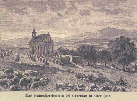 Dobrovodský kostelík ještě v sousedství obilných polí