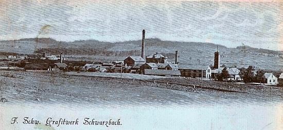 """Fürstliche Schwarzenberg'sche Grafitwerke Schwarzbach"" na pohlednici Josefa Seidela (viz i Franz Bayer a Ingrid Feilová)"