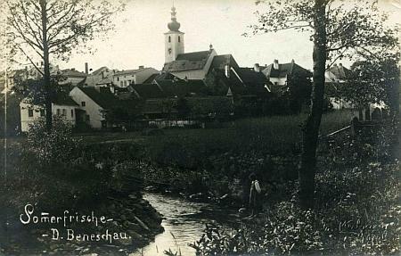 Benešov nad Černou s řekou Černou na staré pohlednici