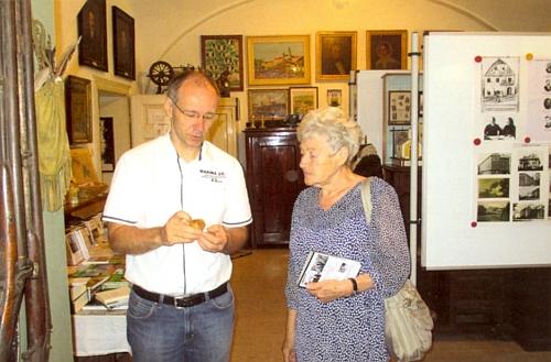 V Šumavském muzeu ve Vídni s jeho ředitelem Dr. Gernotem Peterem