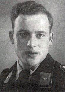 Její vlastní otec na snímku někdy zroku 1940