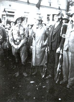 V osudovém roce 1938 je tu Mally zachycen s příslušníky oddílu Freikorps