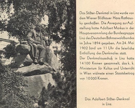 O Stifterově pomníku v Linci, který vytvořil vídeňský sochař Hans Rathausky (1858-1912), přednesl jeho otec Adalbert Markus projev na valné hromadě Deutscher Böhmerwaldbund v roce 1894