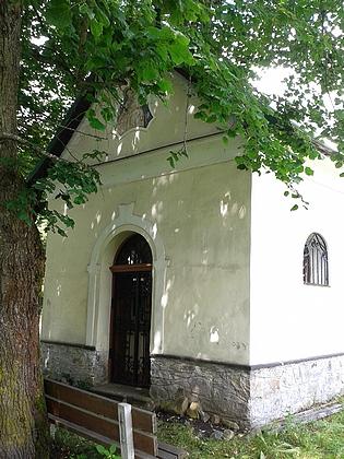 Kaple v Chlumu na snímcích z roku 2016
