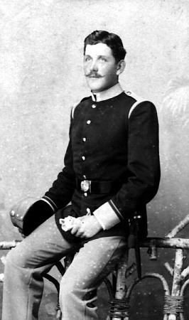 ... a otec Ferdinand von Marouschek na snímku zroku 1897