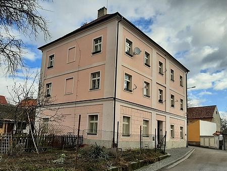 Dům čp. 114 na snímku z roku 2020
