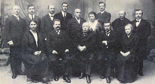 Ve sboru vimperského gymnázia r. 1925 (stojící druhý zprava)