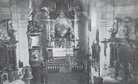 Vnitřek kostela v Ondřejově, po válce zcela srovnaného se zemí