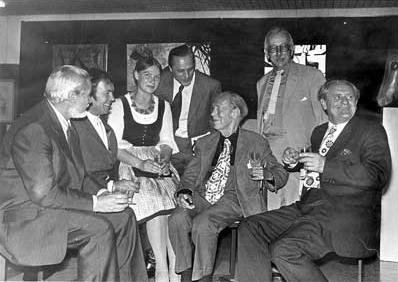 Prvý zleva na snímku z roku 1973, zachycujícím vedle něho směrem doprava i Leopolda Hafnera s přítelkyní, Roberta Muthmanna, Alwina Stützera, Egona Wörlena a  Heinze Theuerjahar