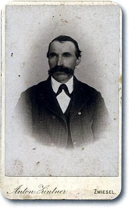 """F.X.M."" (1841-1912), řečený ""Der Ganz Båwist-Xaverl"""