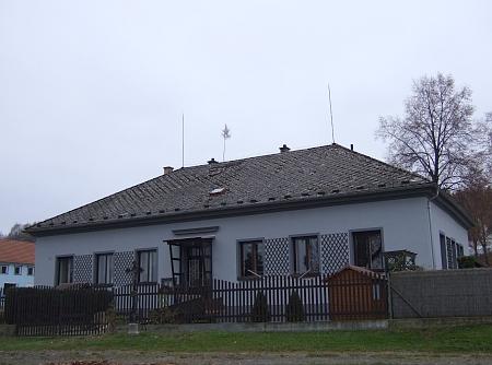 Někdejší škola v Lipanovicích
