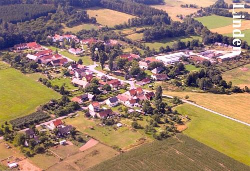 Rodné Lipanovice na dvou leteckých snímcích
