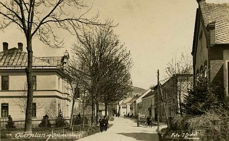Nádražní ulice v Horní Plané na meziválečném snímku Josefa Seidela