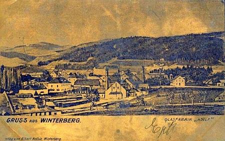 """Vimperská sklárna """"Adolf"""" na pohlednici z počátku 20. století"""