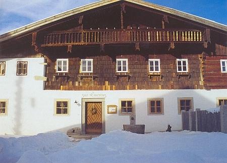 """""""Dům Emerenz Meierové"""" (""""Zur Emerenz"""") ve vsi Schiefweg, dnes části města Waldkirchen"""