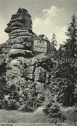 Pohlednice se Schlageterovým skalním památníkem na Třístoličníku v letním i zimním hávu