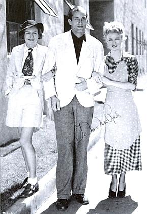 Ještě jednou se svou první ženou Bucky ataneční hvězdou Ginger Rogersovou vHollywoodu roku 1934 na snímku svěnováním