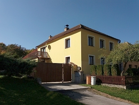 Dům čp. 29 v Chrobolech na snímku z roku 2018