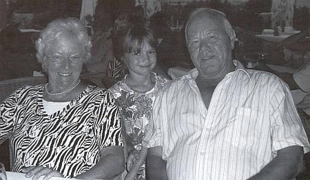 S vnučkou a manželem