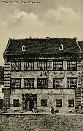 Stará radnice v Prachaticích na pohlednici Josefa Seidela zpočátku 20. století