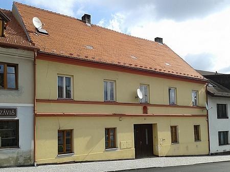 Dům čp. 158/II v prachatické Jánské ulici, kde prožil svá poslední léta, nasnímku z roku 2014