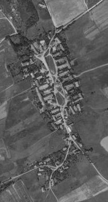 """Rodná Šitboř (viz i Johannes von Tepl) na leteckých snímcích z let 1959 a 2008, nezachycujících ovšem už těsně """"poválečný"""" stav"""