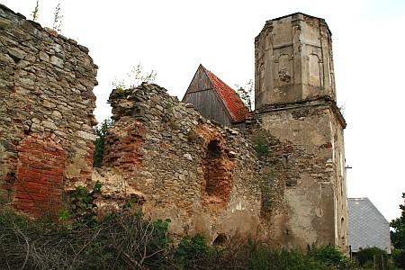 Rok 2006 - zkáza postupovala, postupné rekonstrukce se kostel dočkal až později