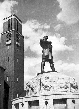 """Jeho """"Rüdigerova kašna"""" ještě před kostelem Srdce Ježíšova v Jablonci nad Nisou, ..."""